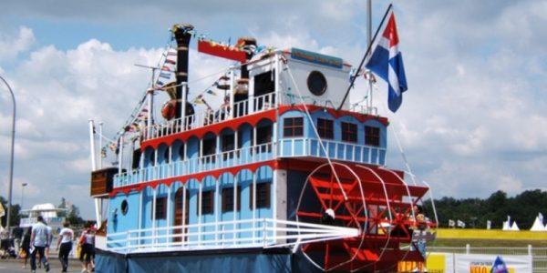 Mississippi Show Boat