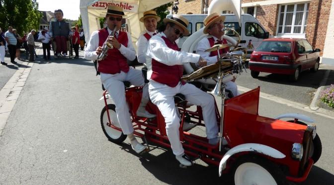 La Lazzymobile dans la parade des fêtes de Sigebert