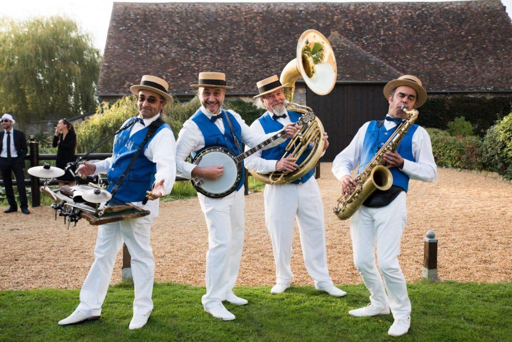 Groupe Dixieland Parade Quartet_Tenue d'orchestre en gilet bleu