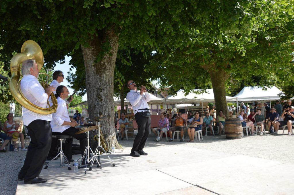 Orchestre-Dixieland-Parade_Festival-Jazzin-Cheverny_Jazz-new-orleans