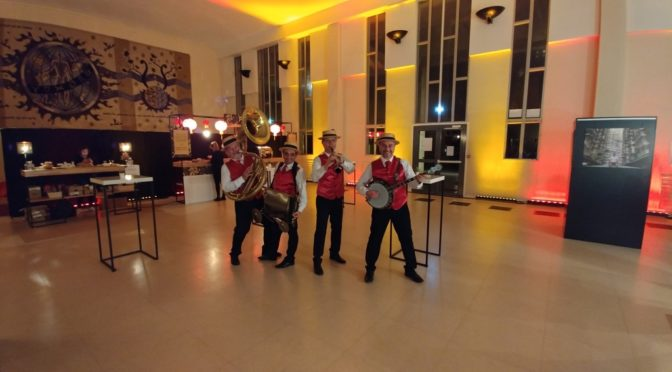 Le groupe de jazz DIXIELAND PARADE au campus universitaire Caen Normandie