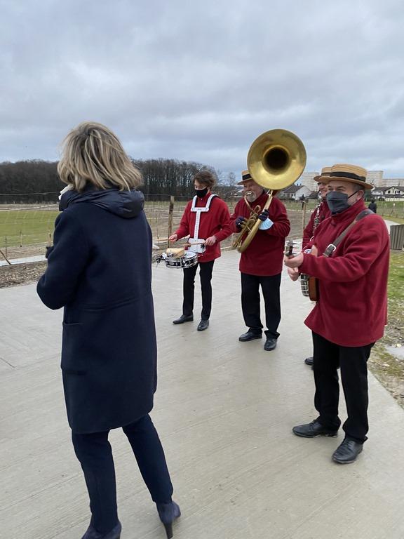 Le jazz band DIXIELAND PARADE lors de l'inauguration du parc de la Fosse-Maussoin à Clichy-sous-Bois-93